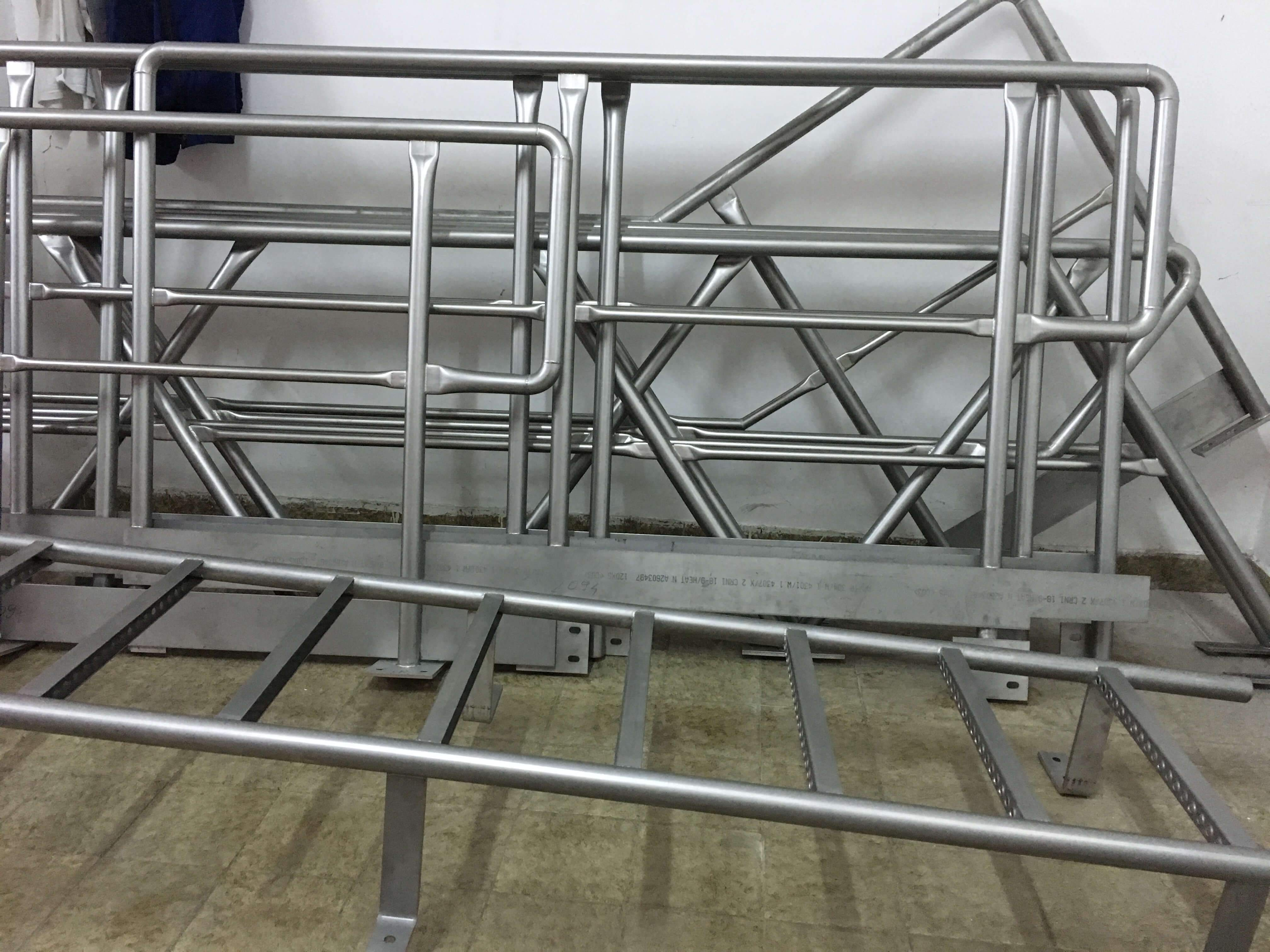Manufacture of industrial stainless steel fences